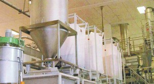 Pressure and vacuum conveying systems for bulk materials